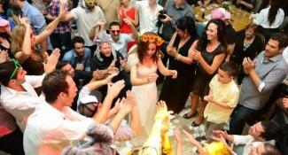 חתונה אחרת בגלריה דובנוב